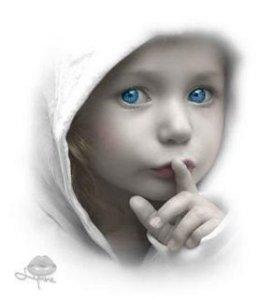 el término niños índigo se refiere a niños que presumiblemente representan un estado superior de evolución humana. Entendiéndose evolución en un sentido general de avance espiritual, ético y mental y no tal cual lo definió Charles Darwin (mutación y selección por sobrevivencia del más apto)